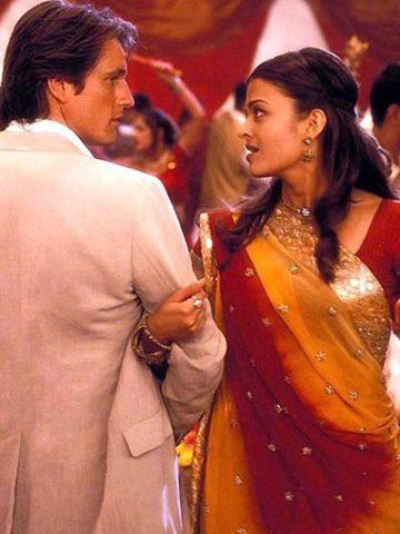 top-10-bollywood-celeb-garba-navaratri-looks-aishawarya-rai-dola-dola