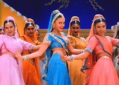 top-10-bollywood-celeb-garba-navaratri-looks-aishwarya-rai-nimbooda