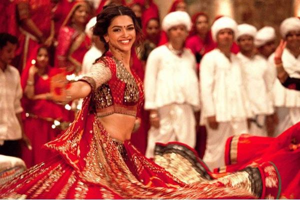 top-10-bollywood-celeb-garba-navaratri-looks-deepika-padukona-ram-leela