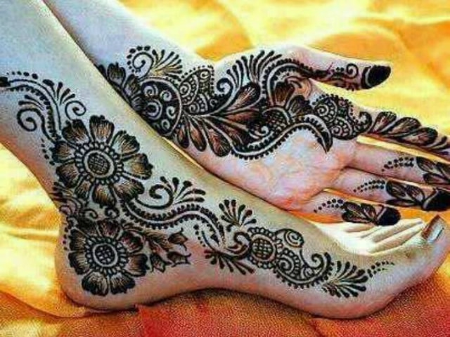 trending-henna-designs-for-feet-arabic-heena-design-for-sides-offeet-1