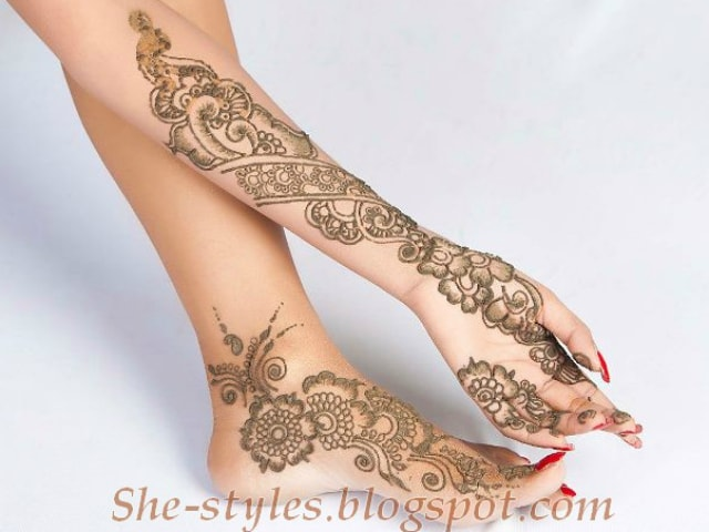 trending-henna-designs-for-feet-arabic-mehendi-design-for-sides-fo-feet-2