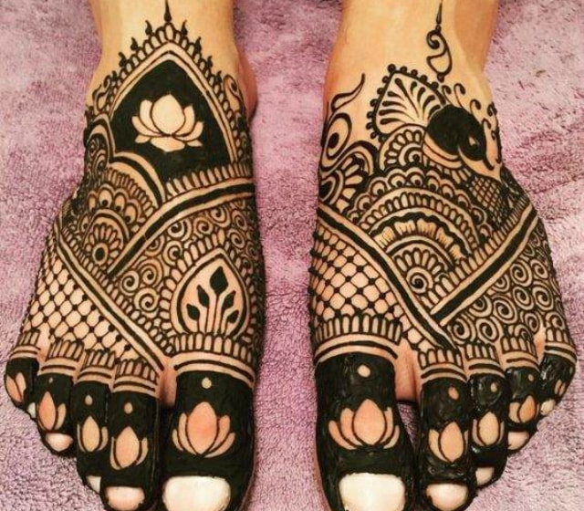 trending-henna-designs-for-feet-black-heena-design-for-feet