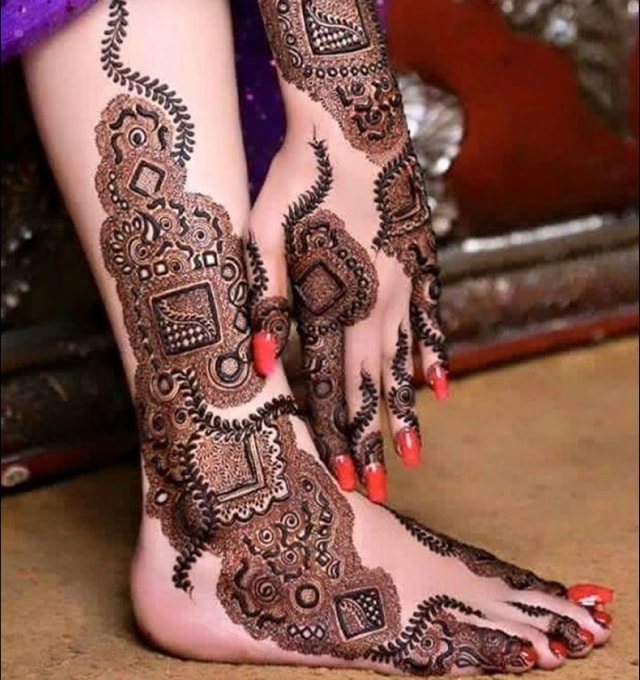 trending-henna-designs-for-feet-bridal-mehendi-design-for-sides-of-feet