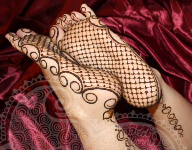 trending-henna-designs-for-feet-heena-design-for-soles-3