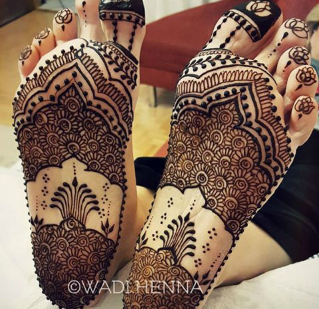 15 Trending Henna Designs for Feet: Best Mehendi Designs ...