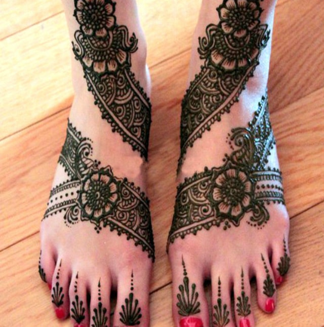 trending-henna-designs-for-feet-latest-indian-bridal-mehendi-design-2