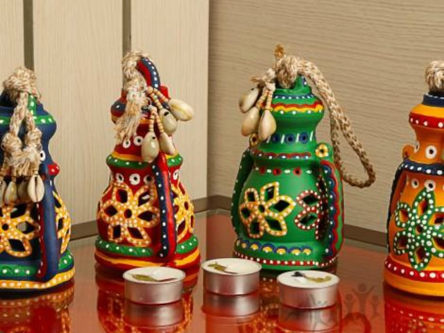 unique-diwali-gift-ideas-earthen-lanterns-2