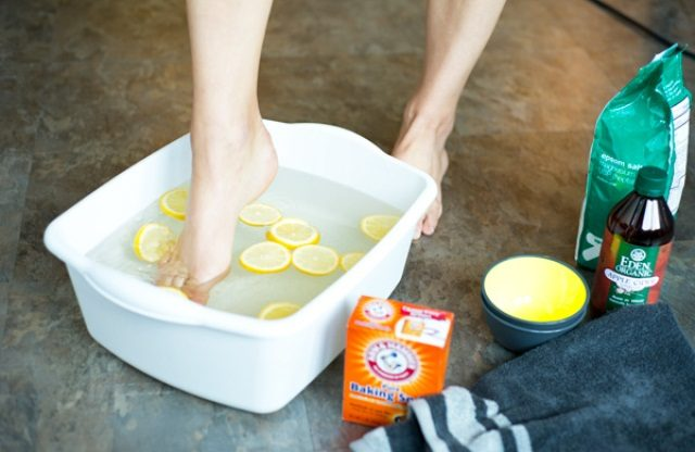 best-beauty-hacks-using-baking-soda-baking-soda-for-feet