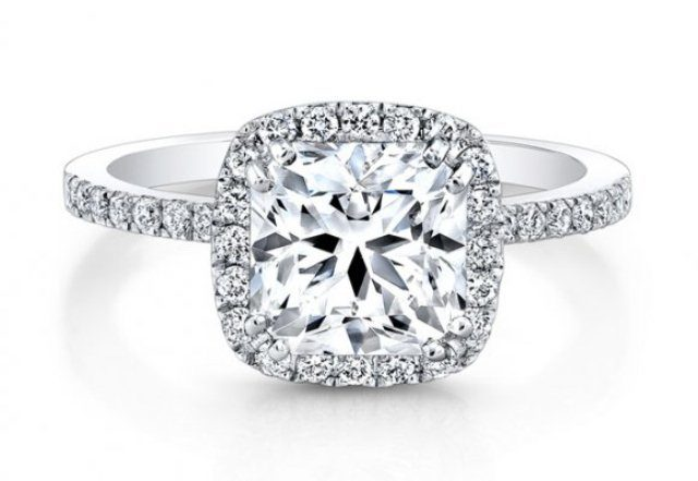 best-engagement-rings-for-brides-halo-diamond-engagement-ring-1