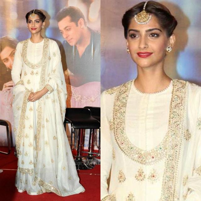 best-ethnic-looks-of-sonam-kapoor-in-suits