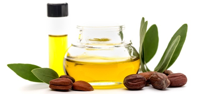best-hair-oil-for-hair-growth-jojoba-oil