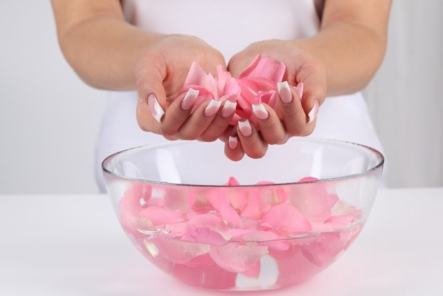 how-to-use-rose-water-for-skin-and-hair