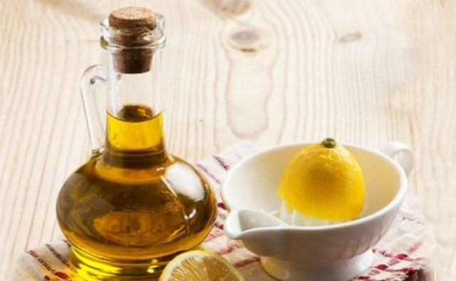 best-homemade-conditioner-for-dry-hair-curd-lemon-almond-oil-pack